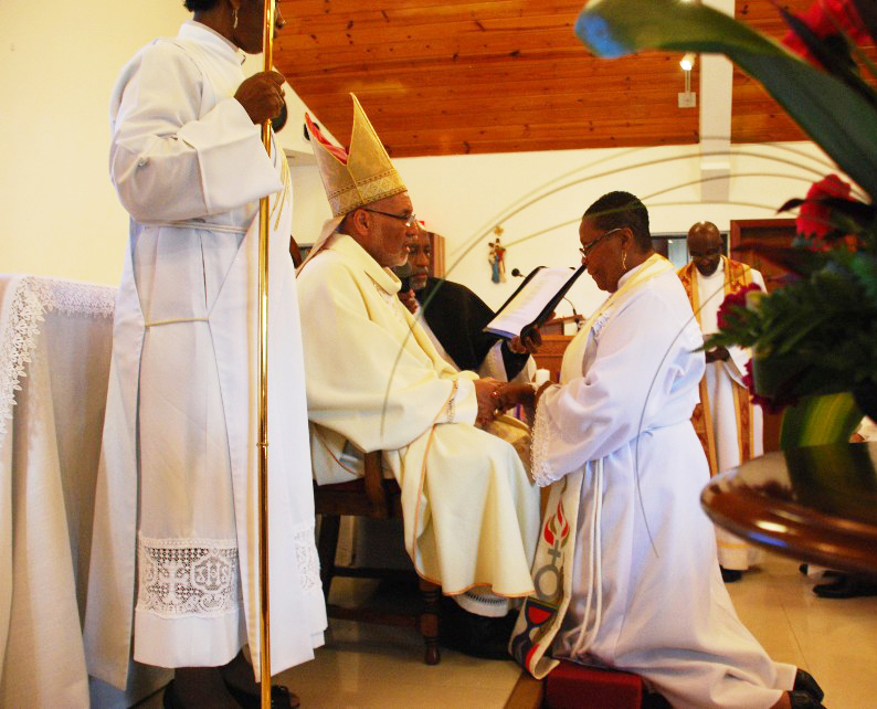 New Rector Admitted at St. George's Church, Grand Cayman
