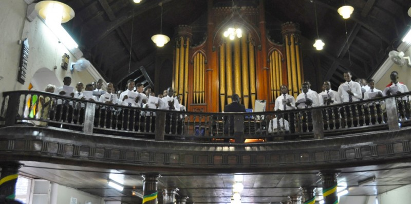 Kingston College Chapel Choir led the singing in 2015