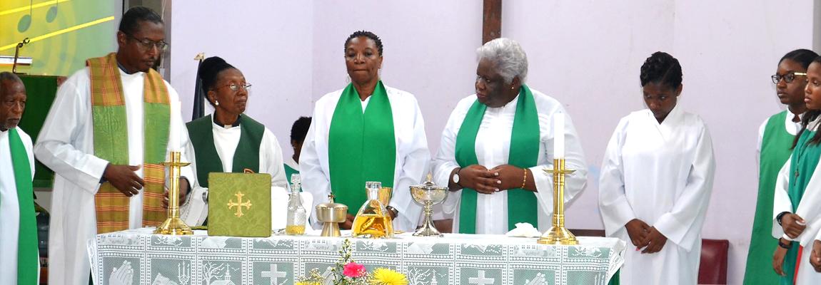 Rev. Annett & Rev Grace Celebrate 30 years
